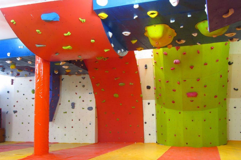 دیواره سنگنوردی باشگاه بولدرینگ بامداد 6