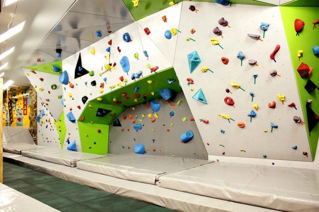 دیواره سنگنوردی بولدرینگ طراحی و تولید شرکت بامداد