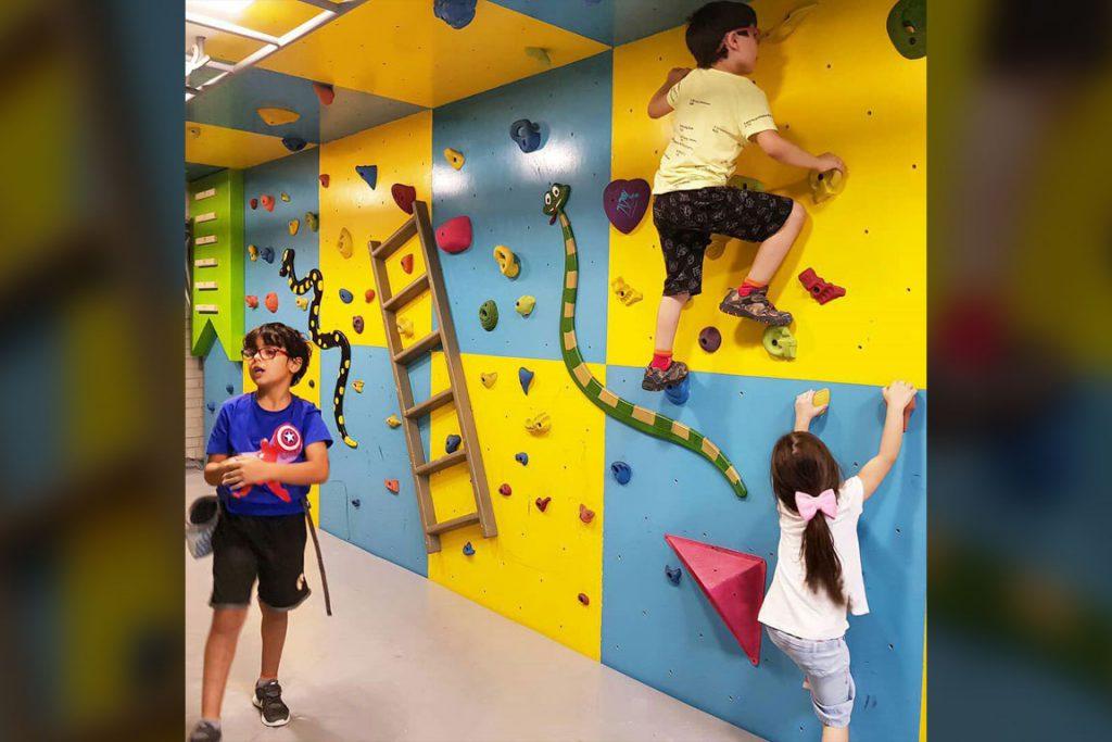 دیواره صخره نوردی کودکان باشگاه مثلث شیراز 4