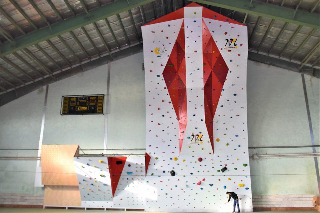 دیواره سنگنوردی سالنی طراحی و اجرا بوسیله شرکت بامداد
