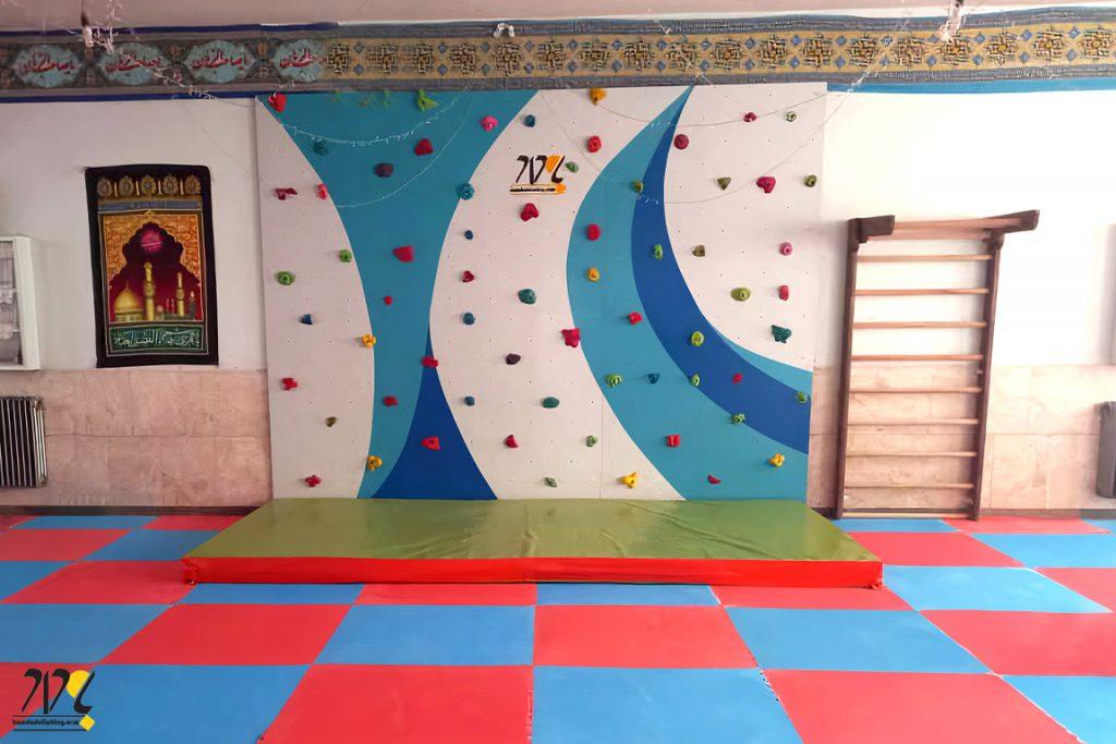دیواره سنگنوردی مدرسه شهید فردوسی زاده نایین